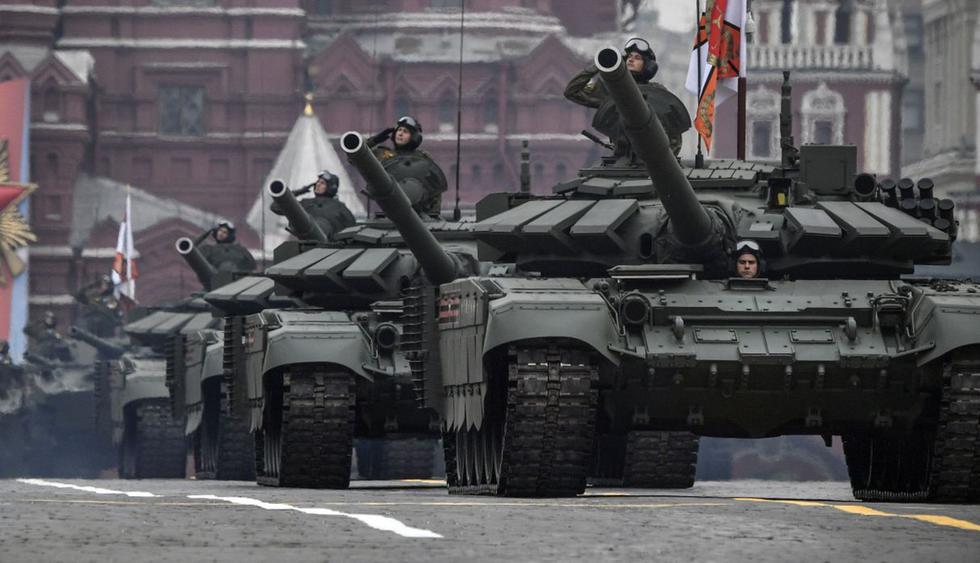 Vladimir Putin presidió en la Plaza Roja el desfile militar con ocasión del 74 aniversario de la victoria sobre la Alemania nazi en la II Guerra Mundial. (Foto: AFP)