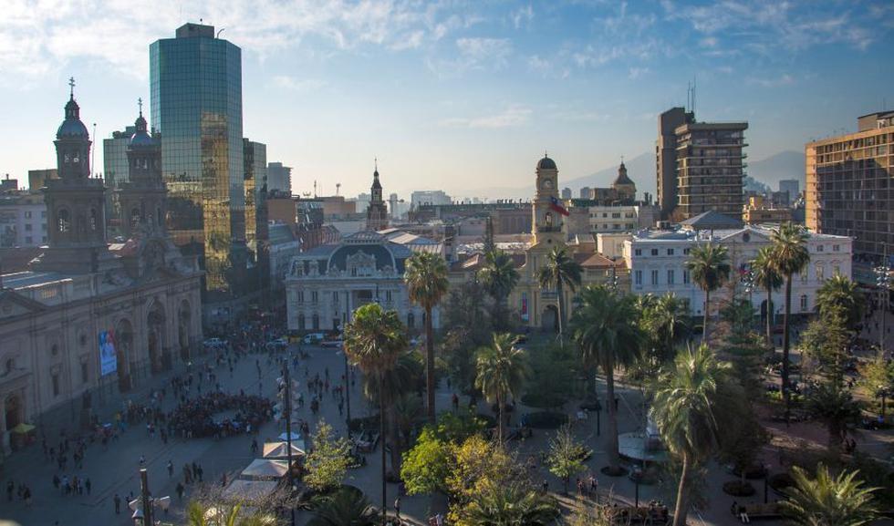 Un vuelo de Lima a Chile solo toma tres horas. La capital, Santiago, es una de las ciudades más bonitas de este país.
