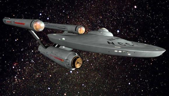 La legendaria y poderosa USS Enterprise del universo de Star Trek. La velocidad warp de la nave de Star Trek le sirve a la ciencia como inspiración para un hipotético viaje en el tiempo. (Foto: CBS)