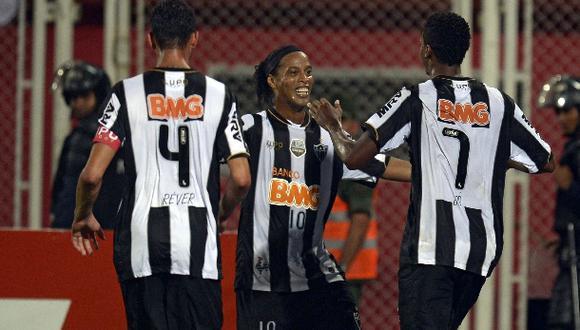 Mineiro, con Ronaldinho, venció 1-0 sobre la hora a Zamora