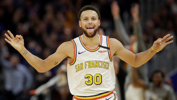 Stephen Curry se convirtió en el segundo anotador histórico de los Golden State Warriors   Foto: AFP