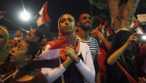 Egipto: Turbas violan a mujeres para sacarlas del medio público