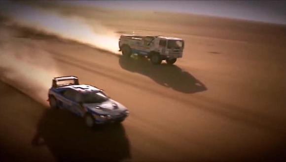 Fue con el DAF Turbo Twin X1 que se enfrentó al Peugeot 205 T16 de Vatanen y en medio del desierto africano protagonizó una intensa pelea a casi 200 km/h. (Youtube)