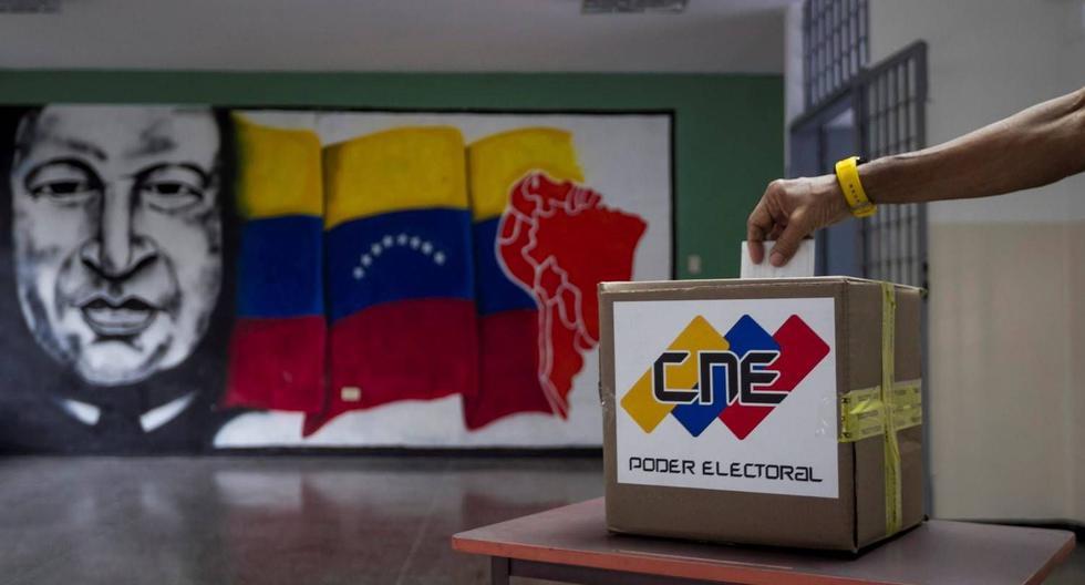 Luego de tres años de boicot por considerar que no existía transparencia en las elecciones venezolanas, la oposición anunció que participará de los comicios del 21 de noviembre. (Foto: Archivo EFE)