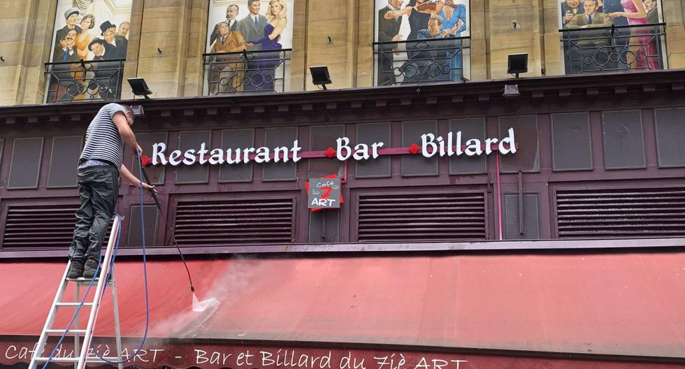 France reopens on Wednesday terraces of bars and restaurants, museums, cinemas and relaxes curfew due to coronavirus