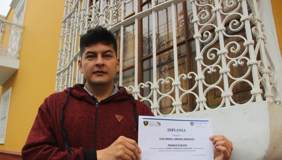 Ángel Urbina destaca por su talento para escribir. Eso le valió varios reconocimientos del INPE. (Foto: Alan Benitez)