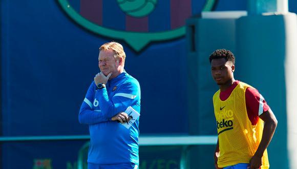 Ansu Fati recibió el dorsal '10′ tras la salida de Lionel Messi al PSG. (Foto: EFE)