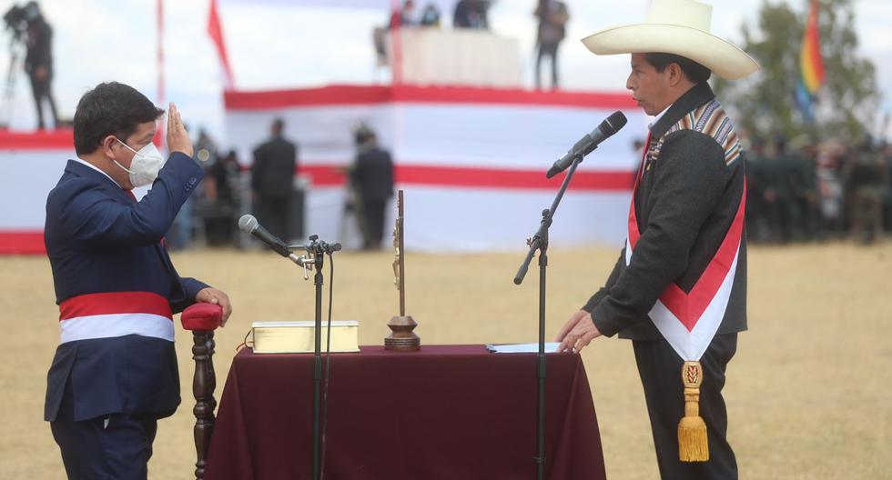 Guido Bellido fue la sorpresa, amarga para muchos aliados de Castillo, de la ceremonia en la Pampa de la Quinua el jueves 29 de julio. (foto: Presidencia)