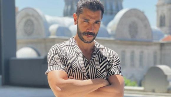 Al igual que su personaje en la ficción, Ugur Güneş es un hombre serio y observador (Foto: Ugur Güneş / Instagram)
