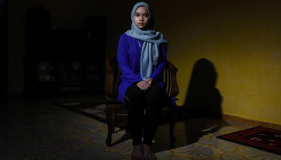 Siti Nurannisaa, una estudiante de 17 años, le contó a la BBC lo que ocurrió en su colegio. Foto: JOSHUA PAUL PARA LA BBC