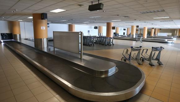 La crisis sanitaria ha dejado los terminales aéreos vacíos. (Foto: Andina)