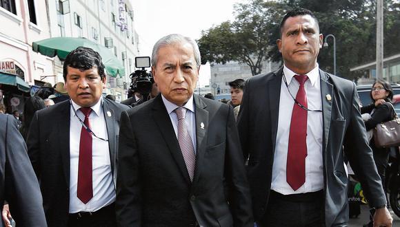 Cuatro denuncias constitucionales contra el fiscal Chávarry se encuentran encarpetadas en el Congreso. (Foto: Anthony Niño de Guzmán/ El Comercio)