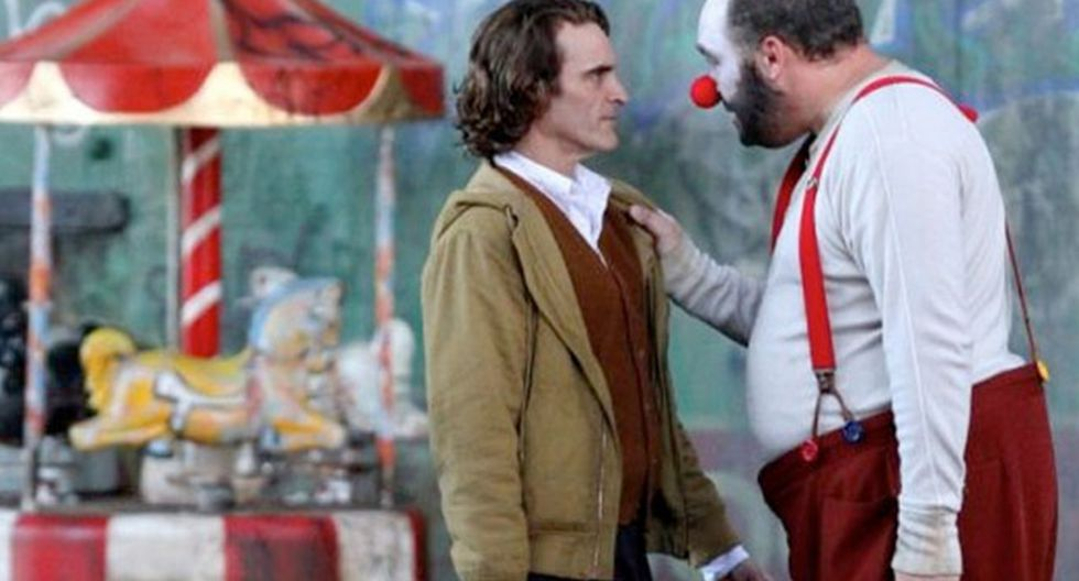 "Joaquin Phoenix y Glenn Fleshler en escena de ""Joker"" que fue eliminada. (Foto: IMDB)"