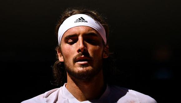 Stefanos Tsitsipas reveló que su abuela falleció a poco de empezar la final de Roland Garros ante Djokovic. (Foto: AFP)