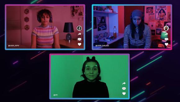 Sofía (Vanessa Zeuner) y Carla (Eliana Córdova) interactúan a través de una aplicación de juegos, cuya anfitriona virtual es A.R.I. (Daniela Zea).