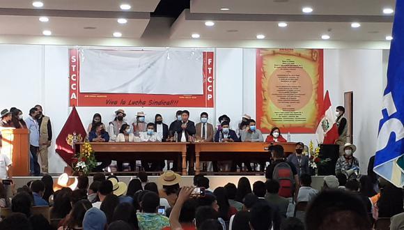 El primer ministro fue el invitado estelar en el segundo y último día del Congreso Nacional de Juventudes de Perú Libre en la ciudad de Arequipa.