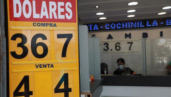 En el mercado paralelo o casas de cambio de Lima, el tipo de cambio se cotizaba a S/3,660 la compra y S/3,695 la venta. (Foto: Juan Ponce / GEC)