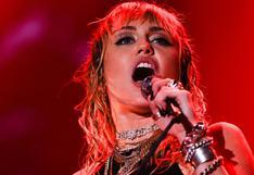 """Miley Cyrus lanzó su álbum """"Plastic Hearts"""" en el que rinde tributo a una época pasada"""