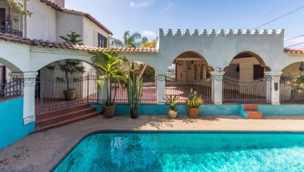 La decora una agradable piscina con azulejos. (Foto: Hilton & Hyland)