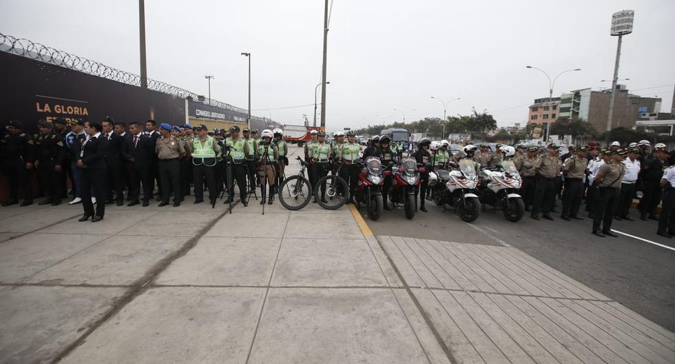 Unos 6 mil agentes de la PNP fueron destinados para resguardar los alrededores del estadio Monumental. (Foto: Mario Zapata Nieto /GEC)