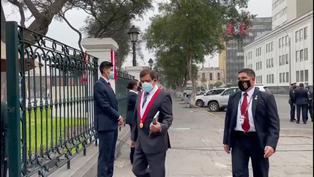 Parlamentarios llegan al Congreso de la República para el cambio de mando