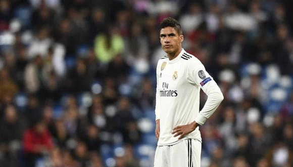 Raphael Varane seguirá defendiendo la camiseta de Real Madrid. (Foto: AFP)