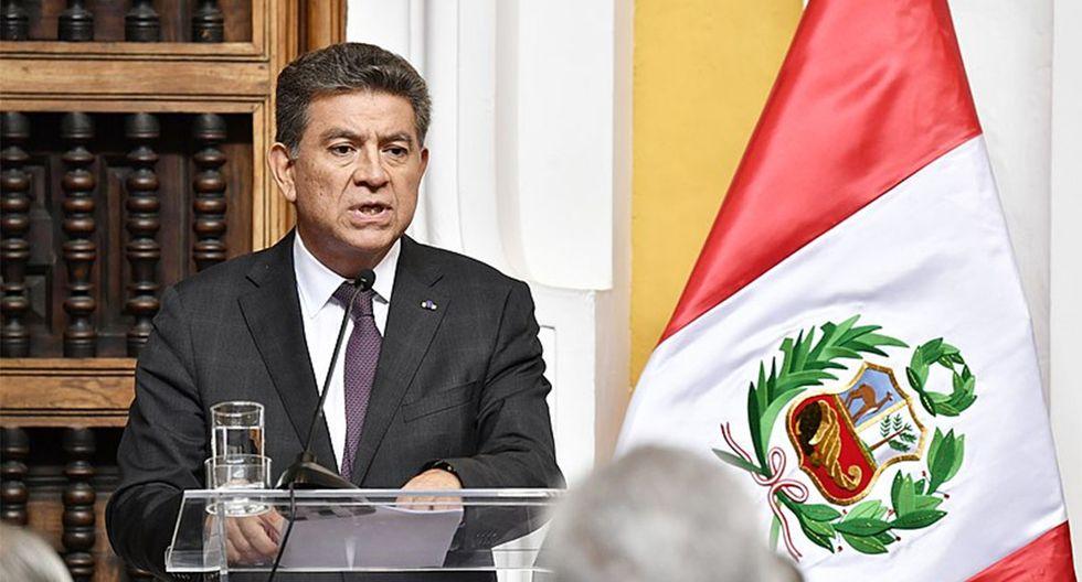 """El canciller Meza-Cuadra dijo que serán """"aproximadamente un millón de peruanos"""" los que estarán habilitados para votar en el extranjero. (Foto: Cancillería)"""
