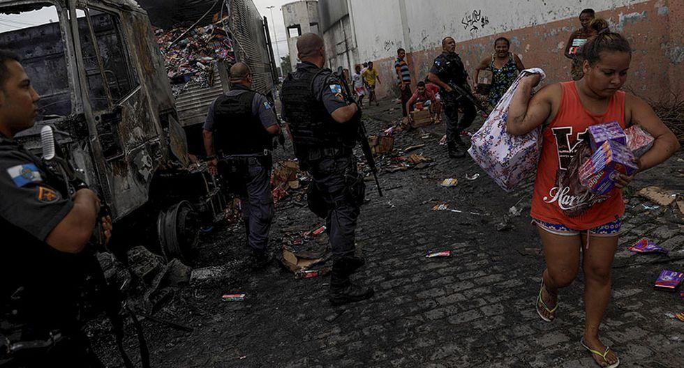 Brasil: Incendian y saquean vehículos en pleno corazón de Río - 7