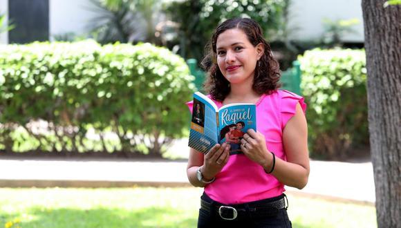 """Melissa Mendieta, ganadora del concurso """"Maestro que deja huella"""" 2019. (Foto: Rolly Reyna / El Comercio)"""
