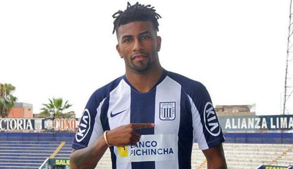 Carlos Ascues llegó a Alianza Lima con un gran renombre y terminó perdiendo la categoría con el club de La Victoria.