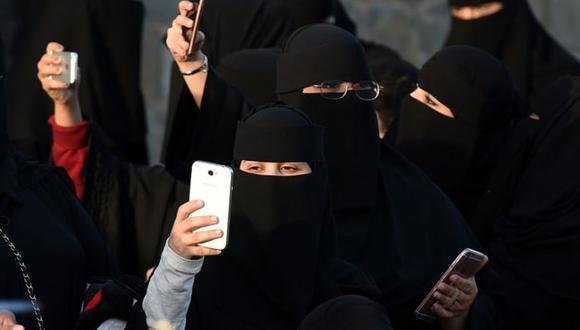 Las mujeres de Arabia Saudita están sujetas a leyes de tutela masculina.