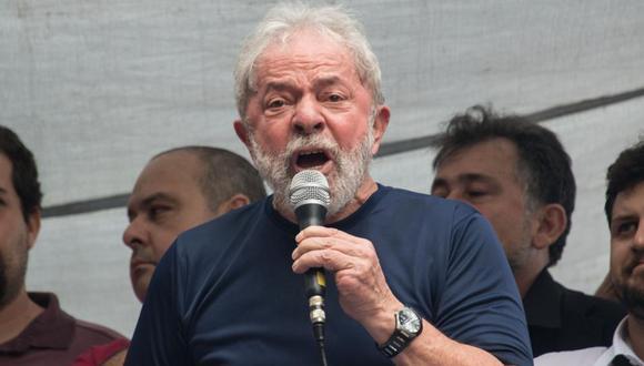 Lula da Silva, quien defiende ferozmente su inocencia, aseveró que está encarcelado porque quiere, pues tuvo muchas oportunidades para salir. (Foto: AFP)
