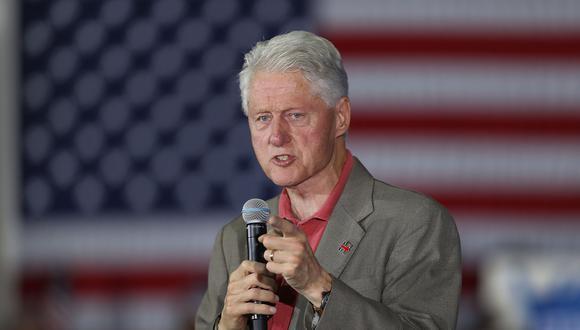 """El ex presidente de EE.UU., Bill Clinton, asegura que """"no sabe nada"""" de los crímenes sexuales de Jeffrey Epstein. (AFP)"""