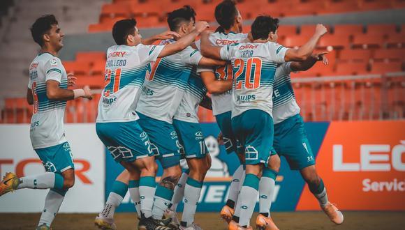 La Universidad Católica venció 4-2 a Colo Colo y es campeón de la Supercopa de Chile