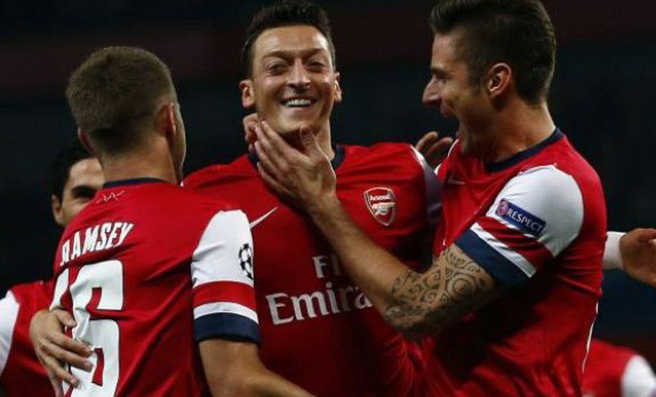 Barcelona estaría interesado en fichar a Mesut Özil