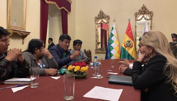 """Gobierno de Jeanine Áñez anuncia diálogo con líderes sociales y sindicales para """"pacificar"""" Bolivia. (Foto: Twitter)"""