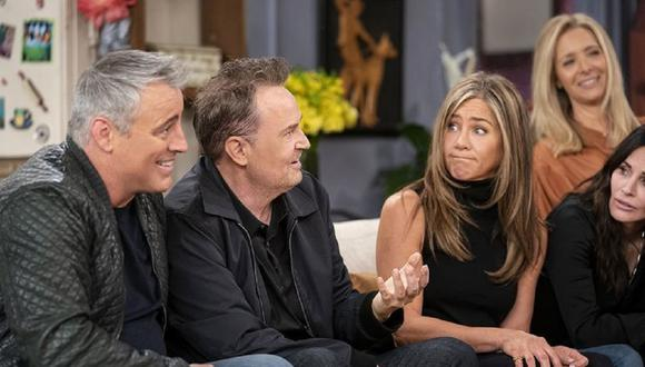 "Jennifer Aniston, Courteney Cox, Lisa Kudrow, Matt LeBlanc, Matthew Perry y David Schwimmer se reunieron para ""Friends: The Reunion"" (Foto: HBO Max)"