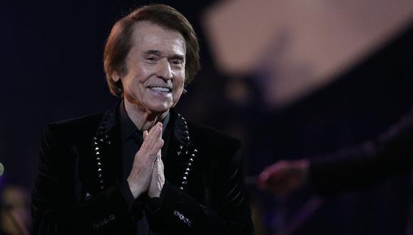 Raphael presentó su disco con el que celebra 60 años en los escenarios. (Foto: AFP/Claudio Reyes)