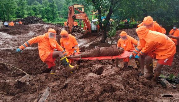 En el estado de Maharasthra, 117 personas perdieron la vida, entre ellas más de 40 en un deslizamiento de tierra que se produjo el jueves en el pueblo de Taliye. (Foto: National Disaster Response Force vía EFE)
