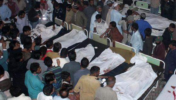 Atentado suicida deja 48 muertos y 50 heridos en Pakistán