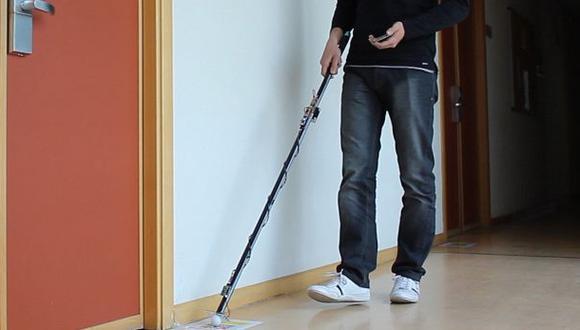 Crean bastón inteligente para personas con discapacidad visual