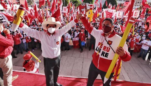 Pedro Castillo y Vladimir Cerrón, máximo dirigente de Perú Libre, durante un mitin en Huancayo, Junín, a fines de marzo. (Foto: Perú Libre)