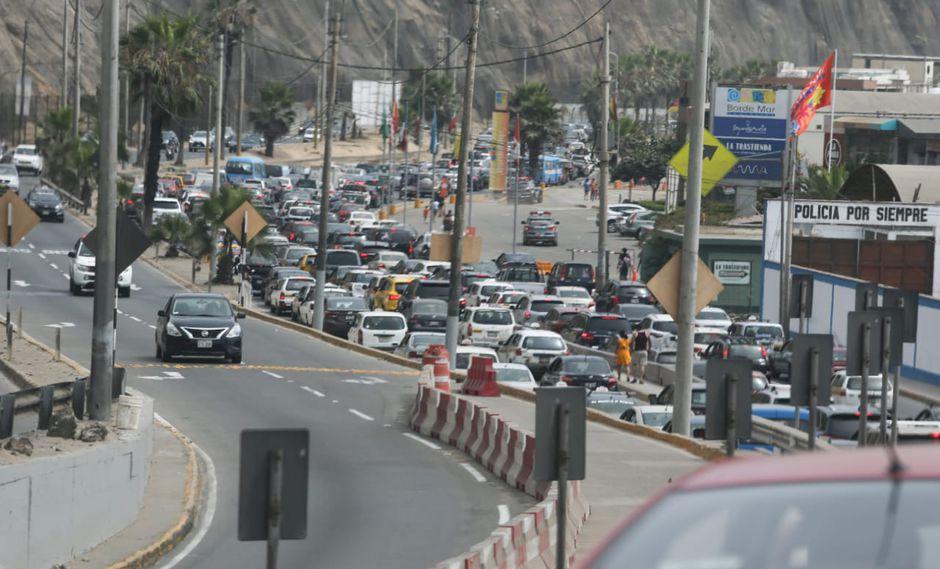 Los conductores sufrieron un caos vehicular esta tarde en la Costa Verde. (Foto: El Comercio)