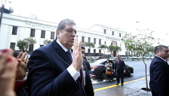 El ex presidente Alan García abandonó esta mañana la embajada de Uruguay en Lima. (Foto: Archivo El Comercio)