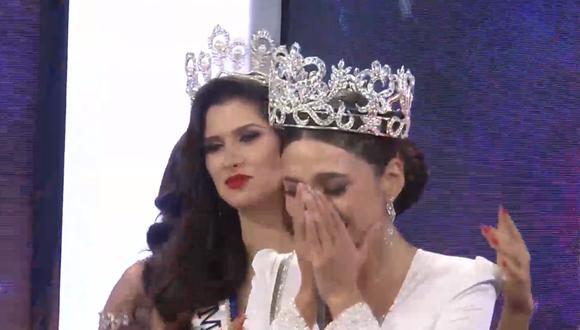 Janick Maceta (derecha) no pudo evitar derramar lágrimas de felicidad tras ser coronada Miss Perú 2020. (Foto: Miss Perú)