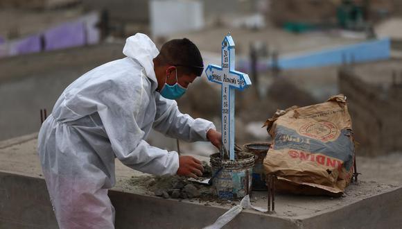 """""""Vale la pena detenernos un momento a pensar cuáles son los errores que nos trajeron a esta situación"""", escribe María Alejandra Campos sobre la crisis por el coronavirus en Perú."""