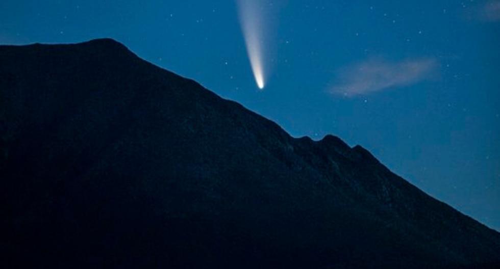 FOTO 1 DE 5 | Desde que la NASA lo detectó el pasado 27 de marzo, los amantes de la astronomía a nivel mundial sabían que el paso del cometa Neowise sería, sin lugar a dudas, el espectáculo celestial de la década. | Crédito: @jwalter1337 en Twitter. (Desliza hacia la izquierda para ver más fotos)