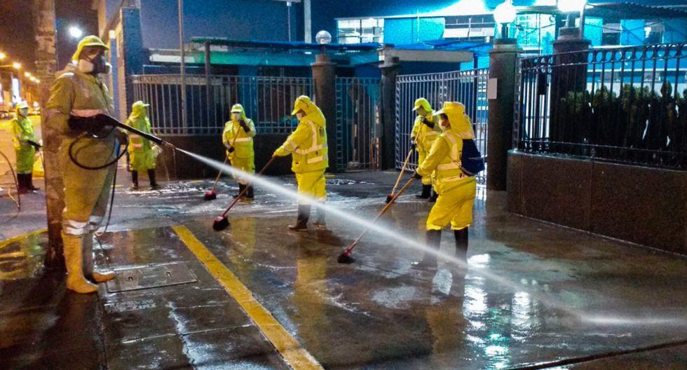 La Municipalidad de Lima realizó la desinfección de los exteriores del Hospital Guillermo Almenara. (Foto: Municipalidad de Lima)