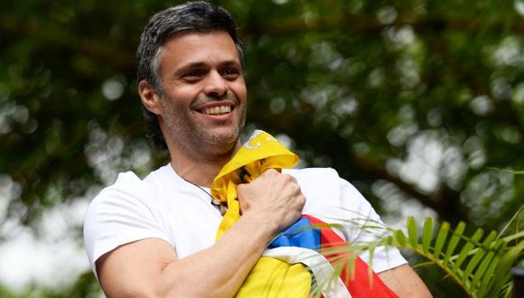 El líder opositor de Venezuela, Leopoldo López, recibió casa por cárcel este sábado. (Foto: AFP)