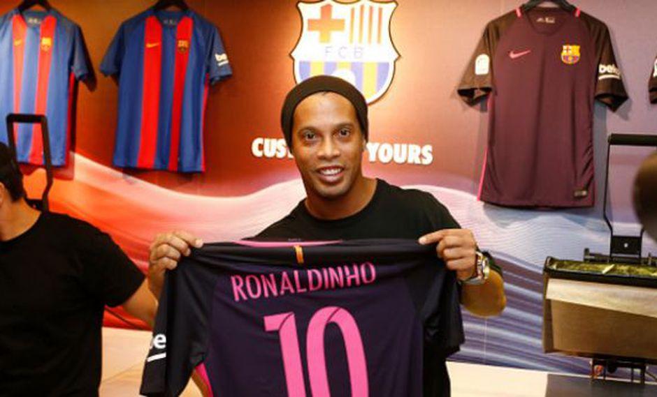 Ronaldinho muy cerca de regresar a Barcelona y no como jugador